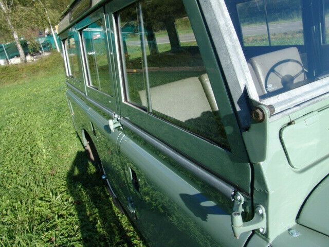 LAND ROVER Serie II a 109 Station Wagon