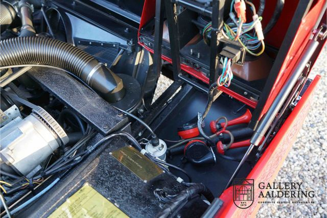 ASTON MARTIN Lagonda 4th owner, only 59.833 miles, one of onl
