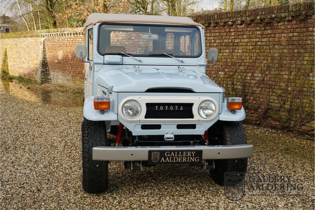 TOYOTA FJ 40 Fully restored condition, like new!
