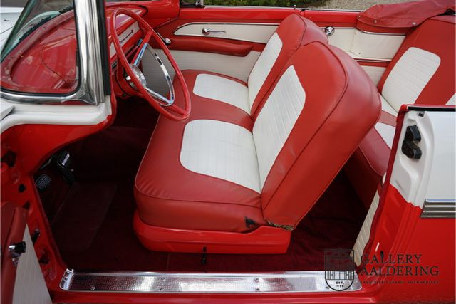 FORD Fairlane Stunning colour combination, manual tra