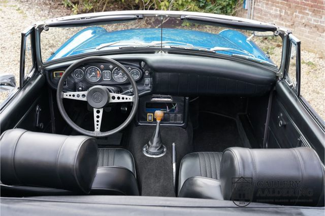 MG MGB Roadster Restored condition, long term owner