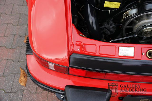 PORSCHE 992 3.2 Carrera Very well maintained, low kilome