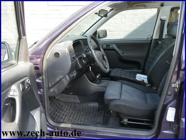 VW Golf 1,6 * Umbau für Rollstuhltransport * Klima