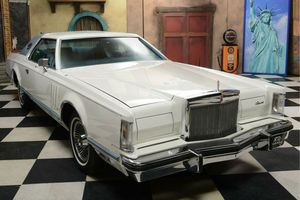 LINCOLN Continental Mark V 2D Hardtop Coupe