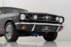 FORD Mustang GT Optik Black Beauty !!