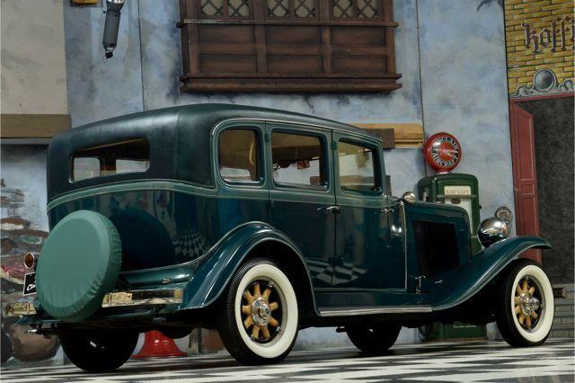 ANDERE Auburn 8-98 Sedan - Straight Eight