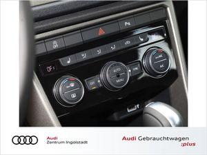 VW T-Roc 1.5 TSI NAVI LED ACC SHZ PDC+ Style