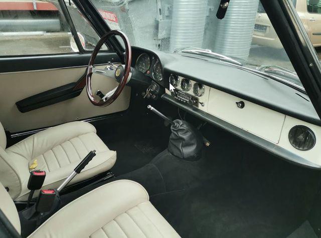 -  1600 Fastback