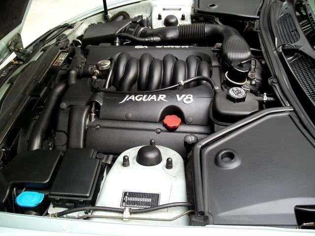 Jaguar XK8 XK 8 4,0 Coupé