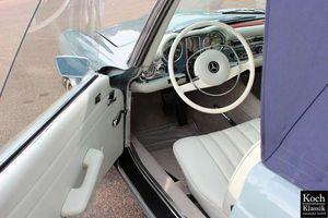 Mercedes-Benz SL 280