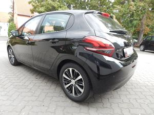 PEUGEOT 208 Active 82 Pure-Tech 5T 16 Alus Glasdach 1.Ha