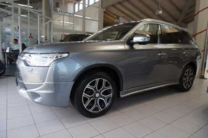 MITSUBISHI Outlander 2.2 DI-D 4WD AT Instyle STANDHZG/AHK