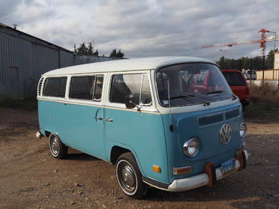 VW T2a Deluxe Bus